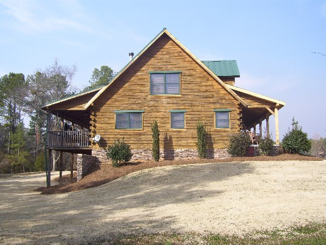 Log Home Protective Paint Applications in Atlanta